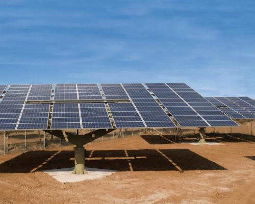 schwenktriebe-fuer-den-solarbereich